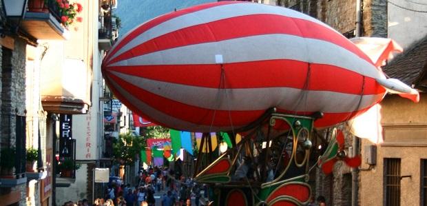 Zeppelin (Companyia de Comediants La Baldufa)