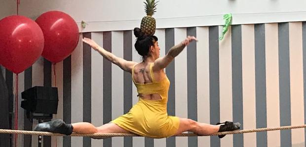 Espai de Carrer - Ballata per un'ananas